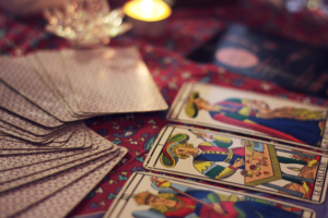 What is the Difference between Tarot and Psychic Readings?